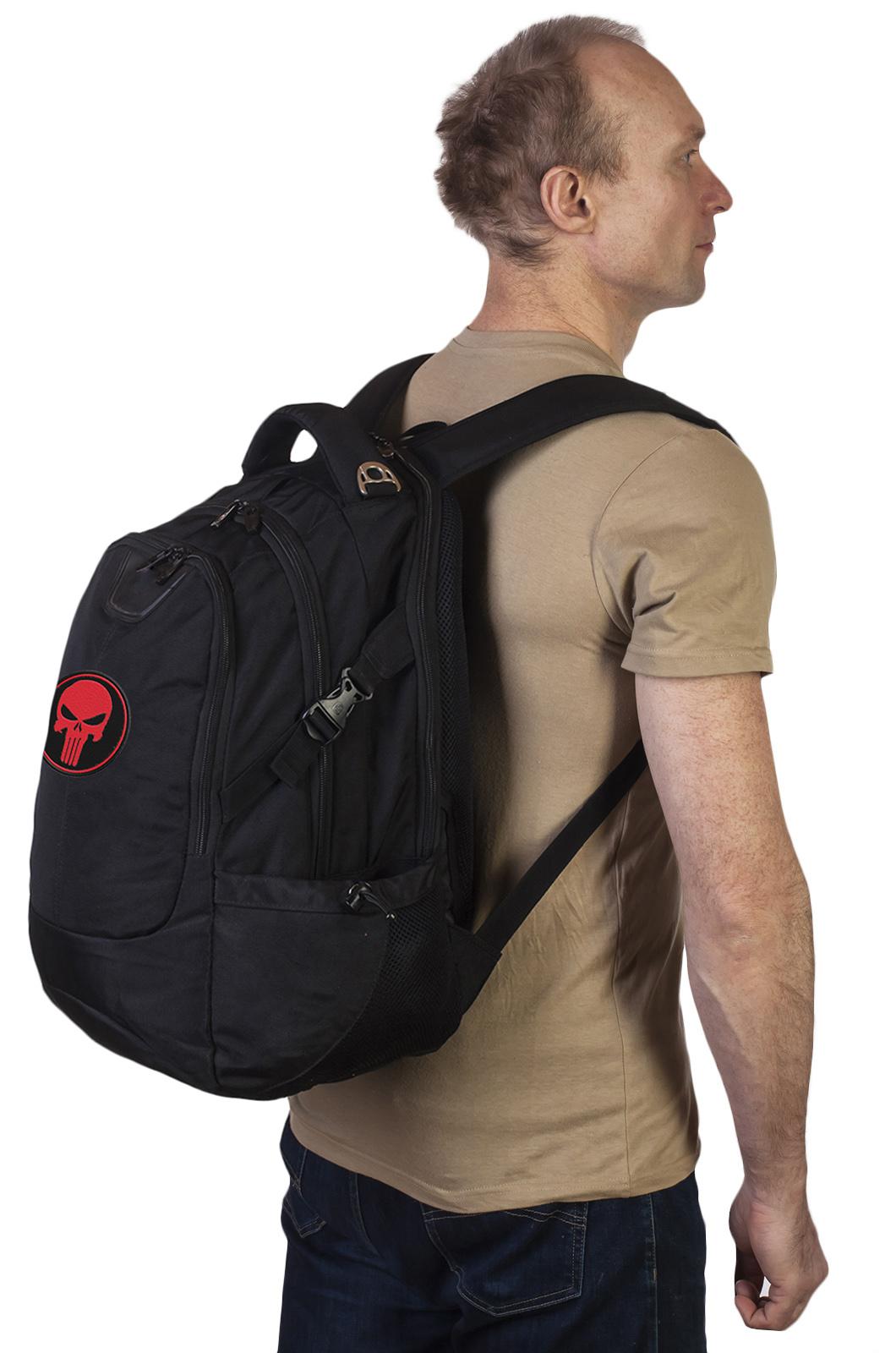 Черный крутой рюкзак с нашивкой Каратель - заказать в Военпро
