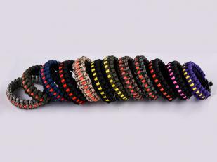 Чёрный плетёный браслет для мужчин