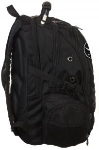 Черный вместительный рюкзак с нашивкой Пиратский флаг - заказать в розницу