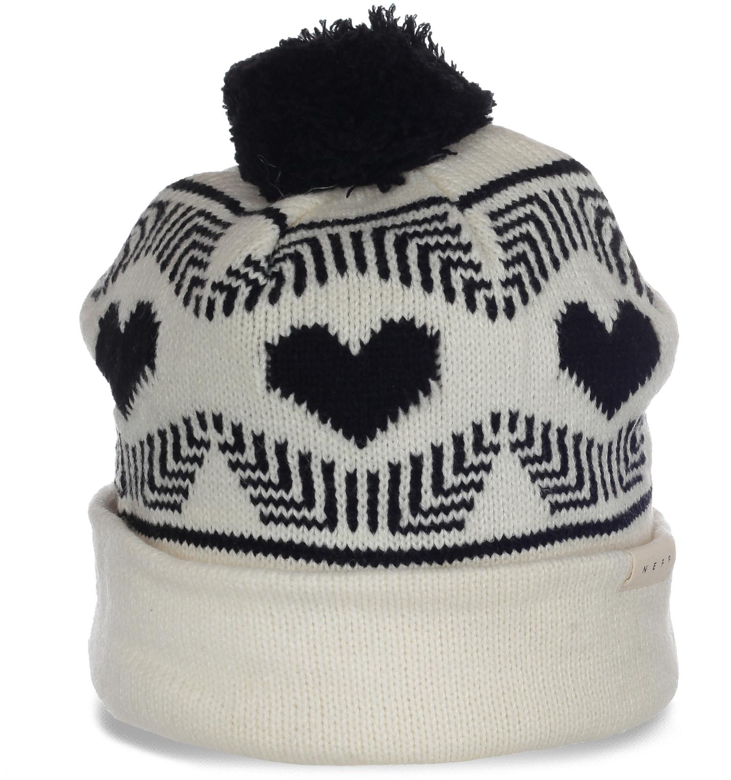 Чудесная теплая шапка Neff с бубоном отличный элегантный вариант для милых девушек