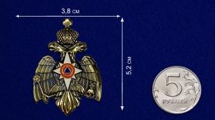 Декоративный шильд МЧС России - сравнительный размер