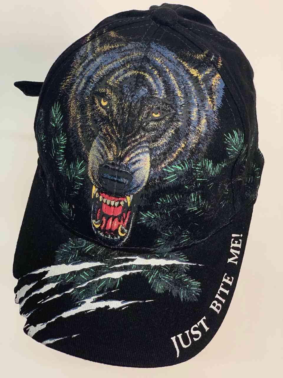 Дерзкая кепка с волком JUST BITE ME