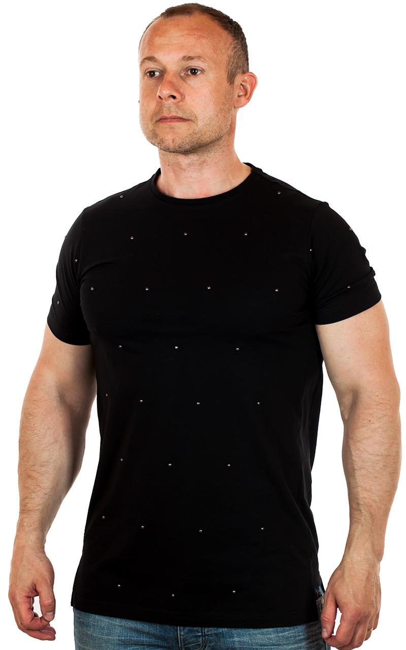 Самые модные мужские молодежные футболки на нашем сайте