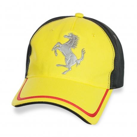 Дизайнерская кепка Ferrari.