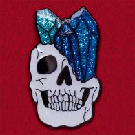 """Дизайнерский значок """"Череп с кристаллами"""" от Sharkpins"""