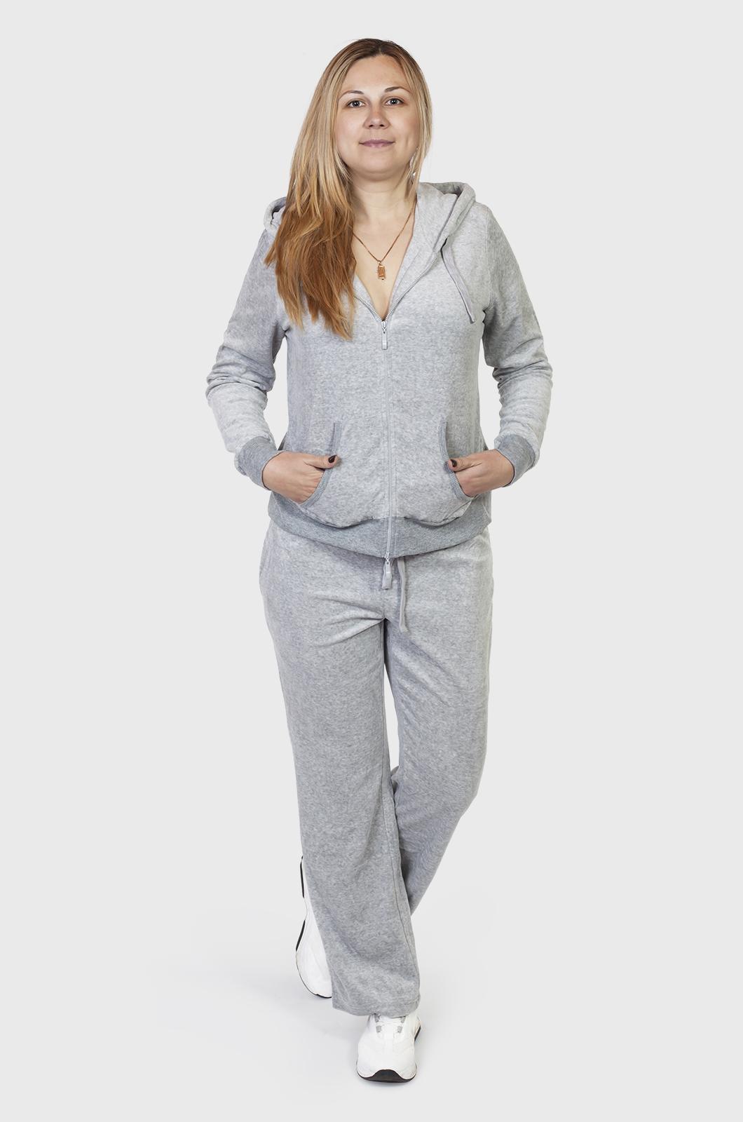 Велюровый женский спортивный костюм с карманами и капюшоном
