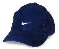 Модная деним кепка. Синий цвет всегда актуален. При правильном сочетании с другими вещами, такой головной убор можно надевать по любому поводу!