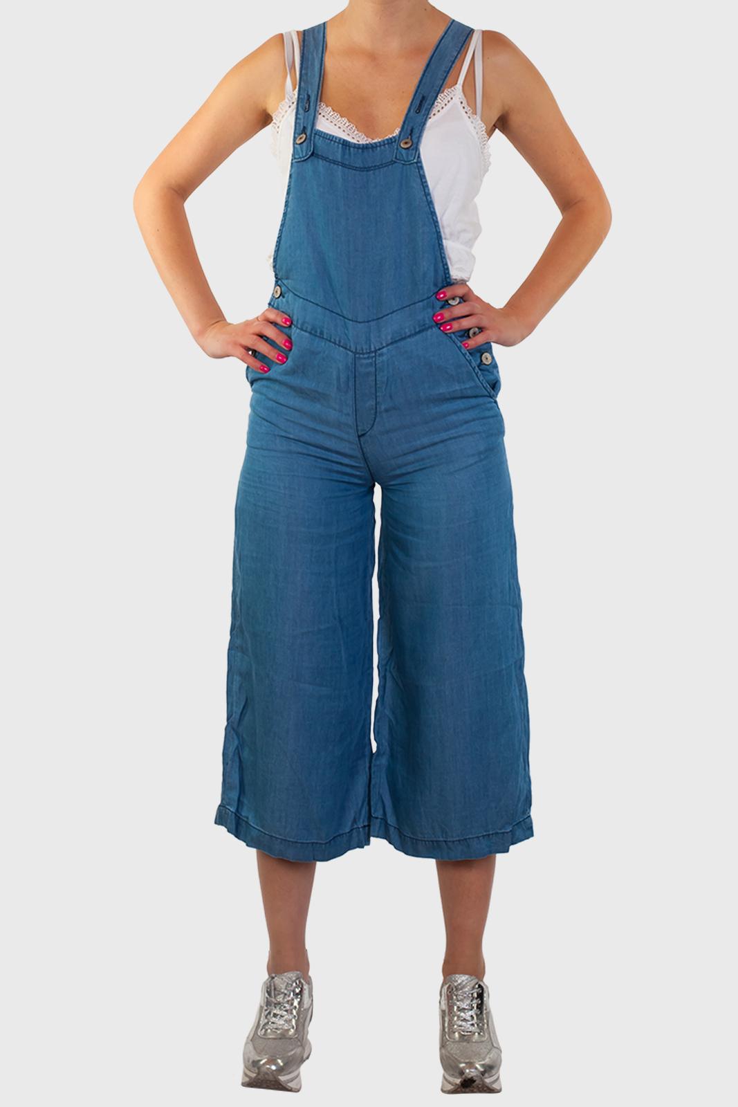 Заказатьл джинсовый женский комбинезон Bershka (Испания)