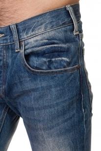 Эффектные мужские джинсы