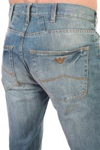 Голубые мужские джинсы с имитацией поёртого денима