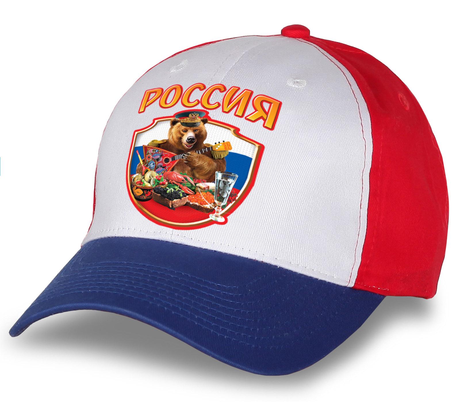 """Эксклюзив для патриотов и болельщиков! Креативная бейсболка-триколор """"Россия"""" с медведем. Дизайнерская модель по доступной цене. Бери, пока не расхватали!"""