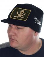 Эксклюзив для парней! Молодёжная шапка-кепка Miller Way с Весёлым Роджером. Гладкая вязка правильной плотности создаёт комфортный микроклимат и в зимний мороз, и в осеннюю непогоду