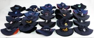 Эквадорские панамы и широкополые туристические шляпы