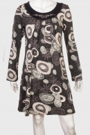 Элегантное женское платье с широким рукавом