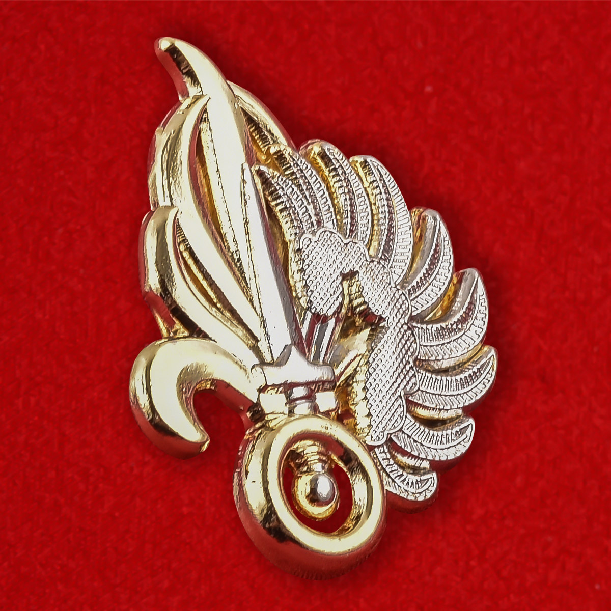 Эмблема на берет Иностранного Легиона