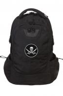 Эргономичный вместительный рюкзак с нашивкой Пиратский флаг