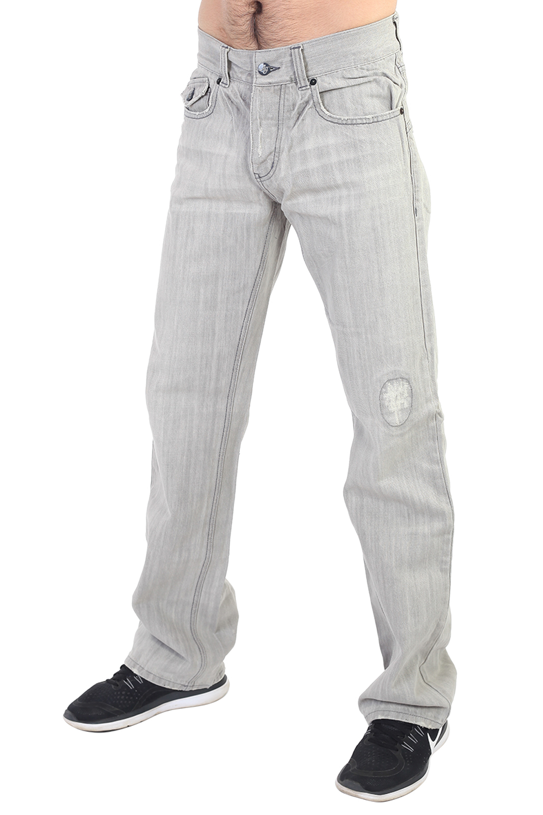 Светлые мужские джинсы на пуговицах