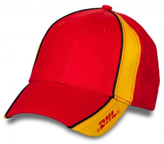 Фирменная бейсболка DHL.