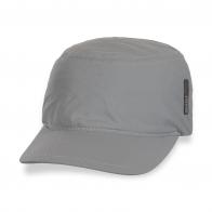 Фирменная брендовая кепка.