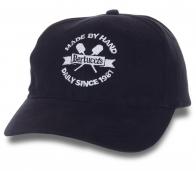 Фирменная кепка Bertucci's.