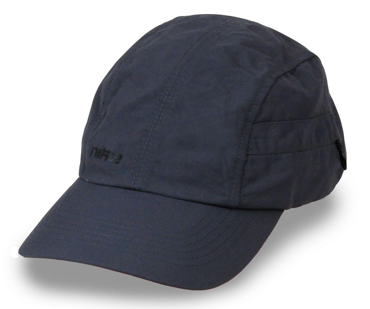 Фирменная кепка для вечерней пробежки