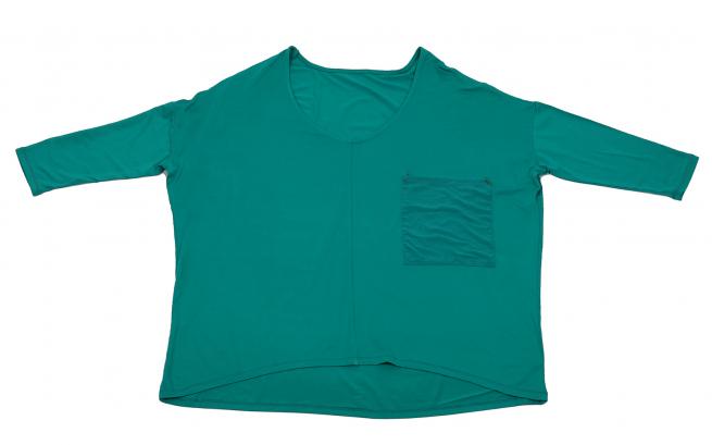 Фирменная кофточка Kerisma зеленого цвета. Модный укороченный рукав, свободный покрой