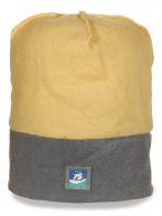 Фирменная мужская шапка песочно-серого цвета