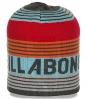 Фирменная шапка Billabong для модных спортсменок. Яркая модель, в которой тепло и удобно