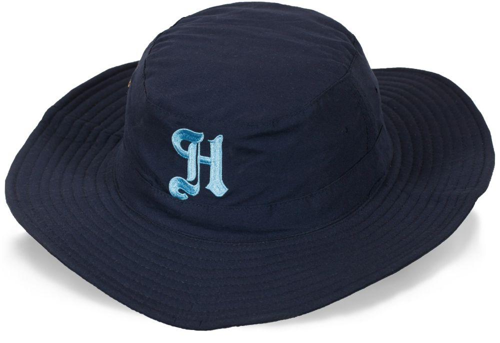 Фирменная шляпа для дачи