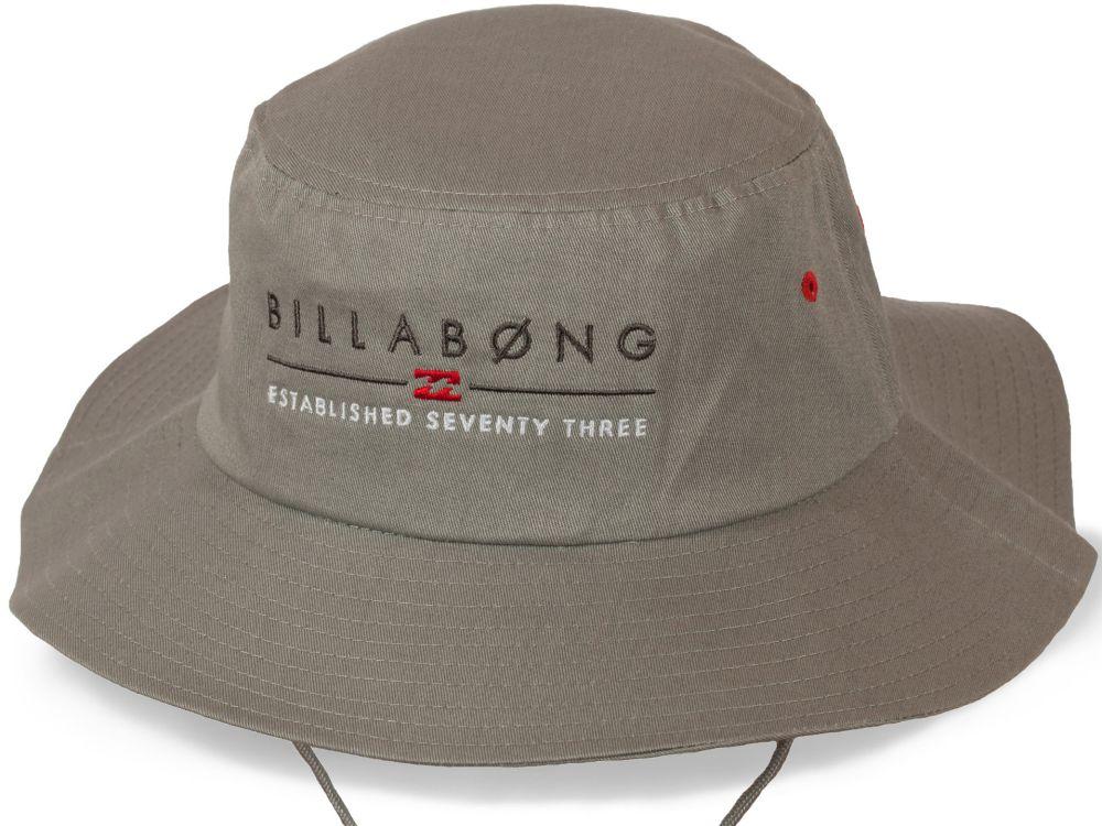 Фирменная шляпа от бренда Billabong
