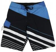 Фирменные шорты Quiksilver. Яркий цвет, комфортная модель