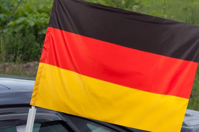 Флаг Германии с кронштейном
