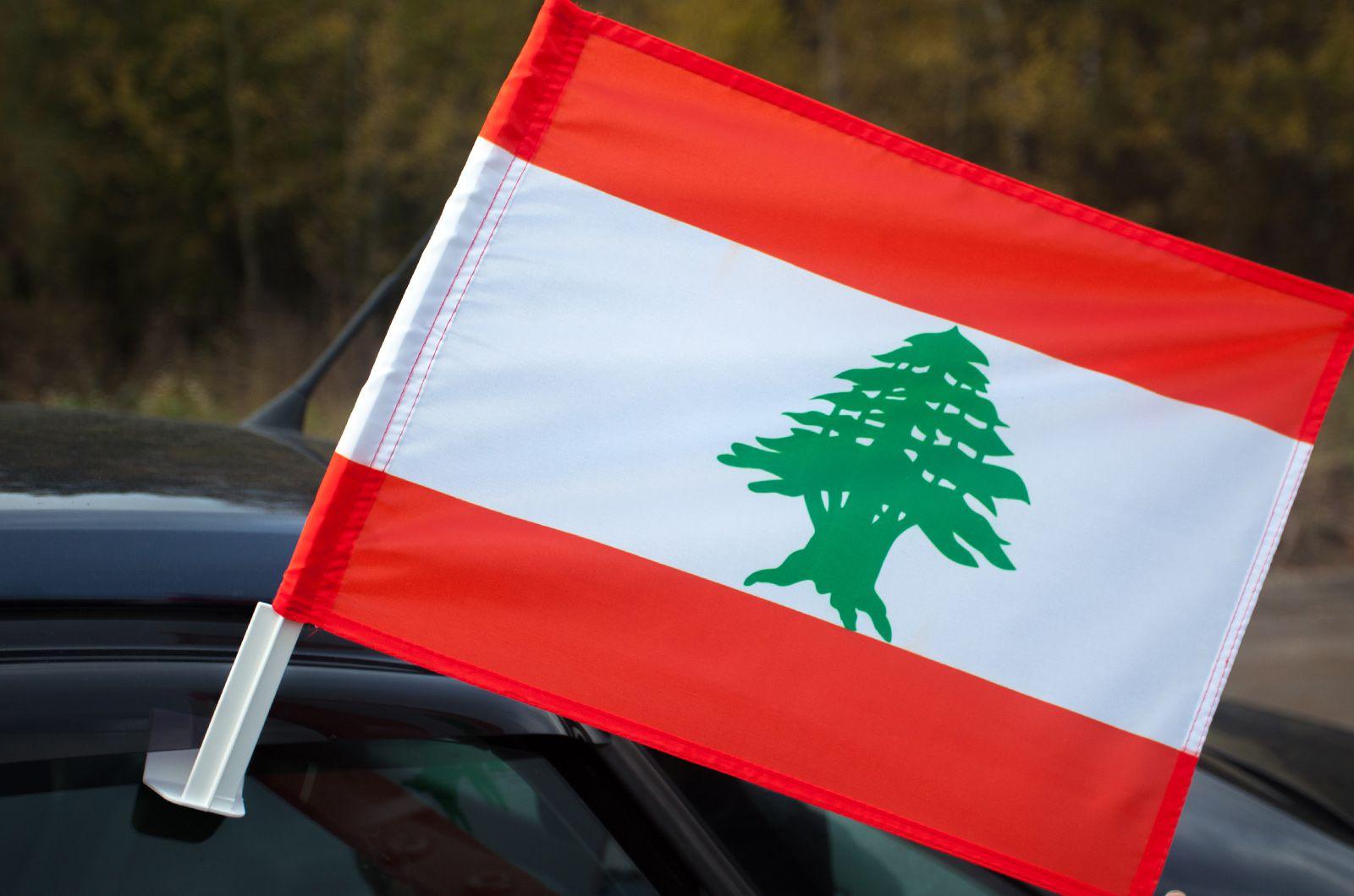 Флаг Ливана на машину