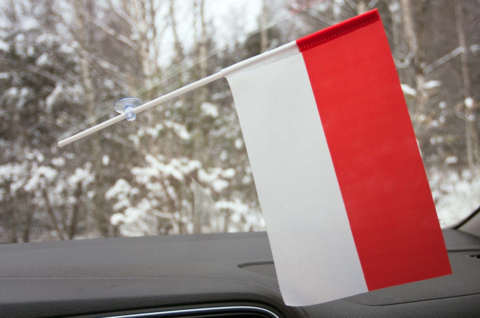 Флажок Индонезии в машину