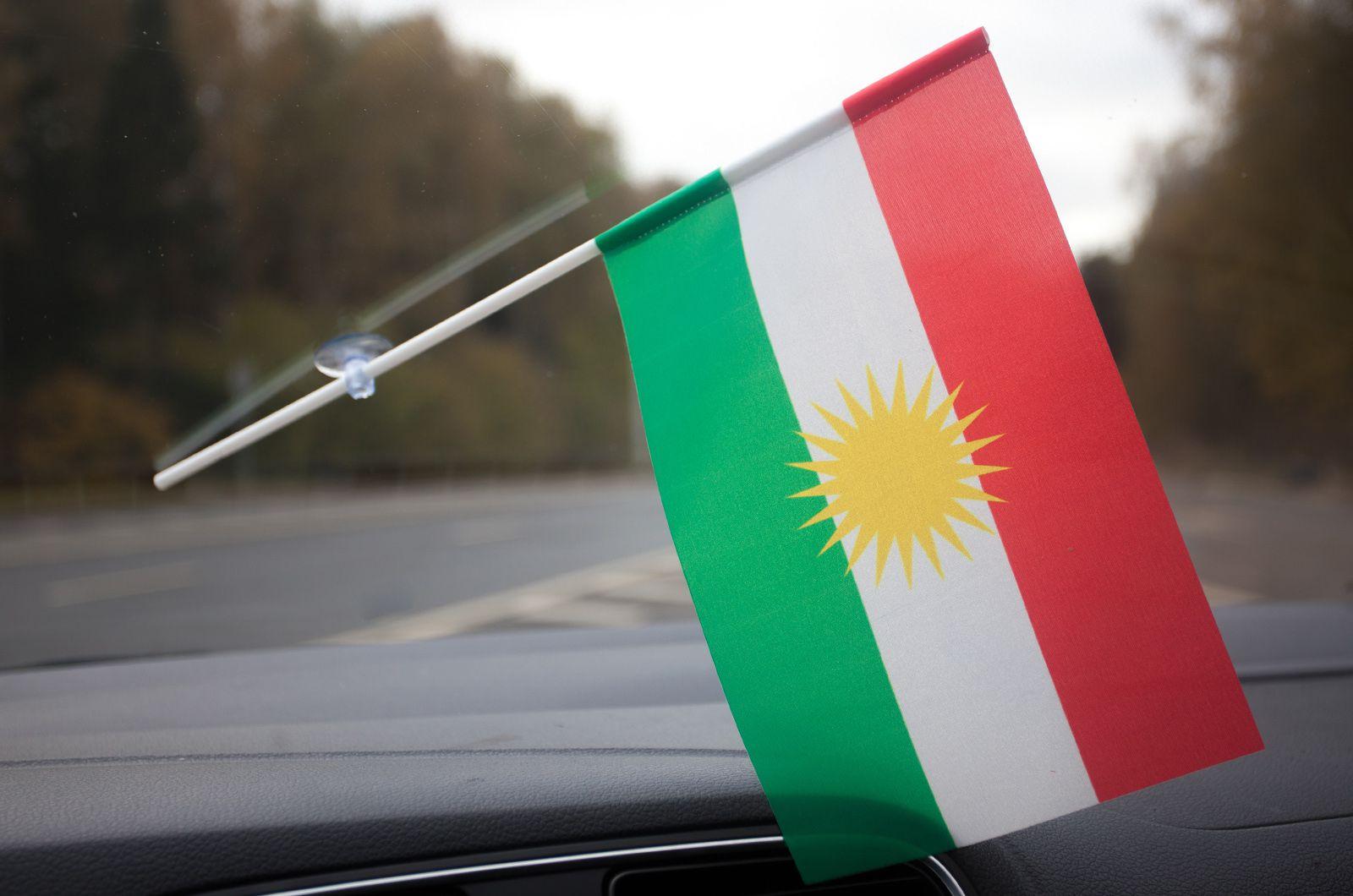 Флажок Курдистана в машину