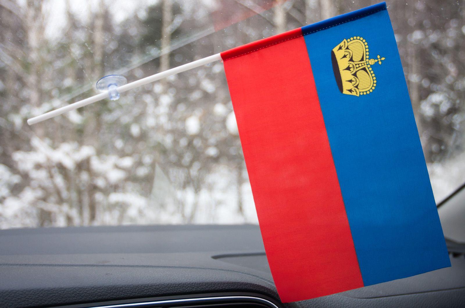 Флажок Лихтенштейна в машину