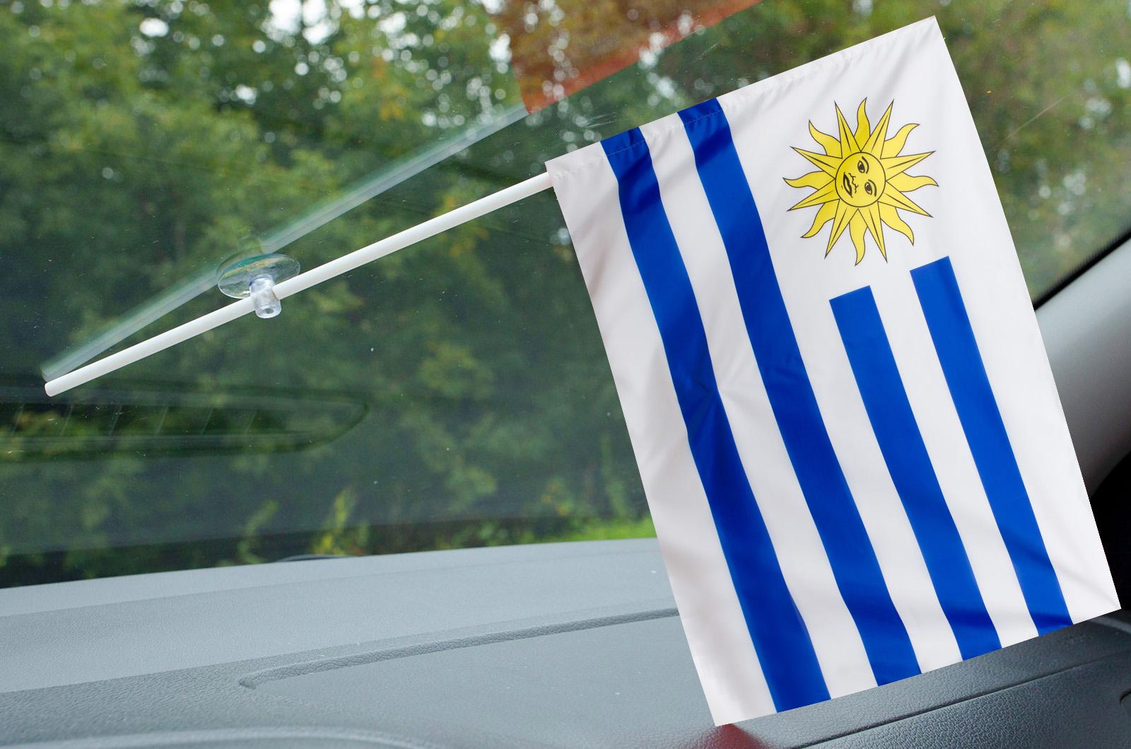 Флажок Уругвая в машину