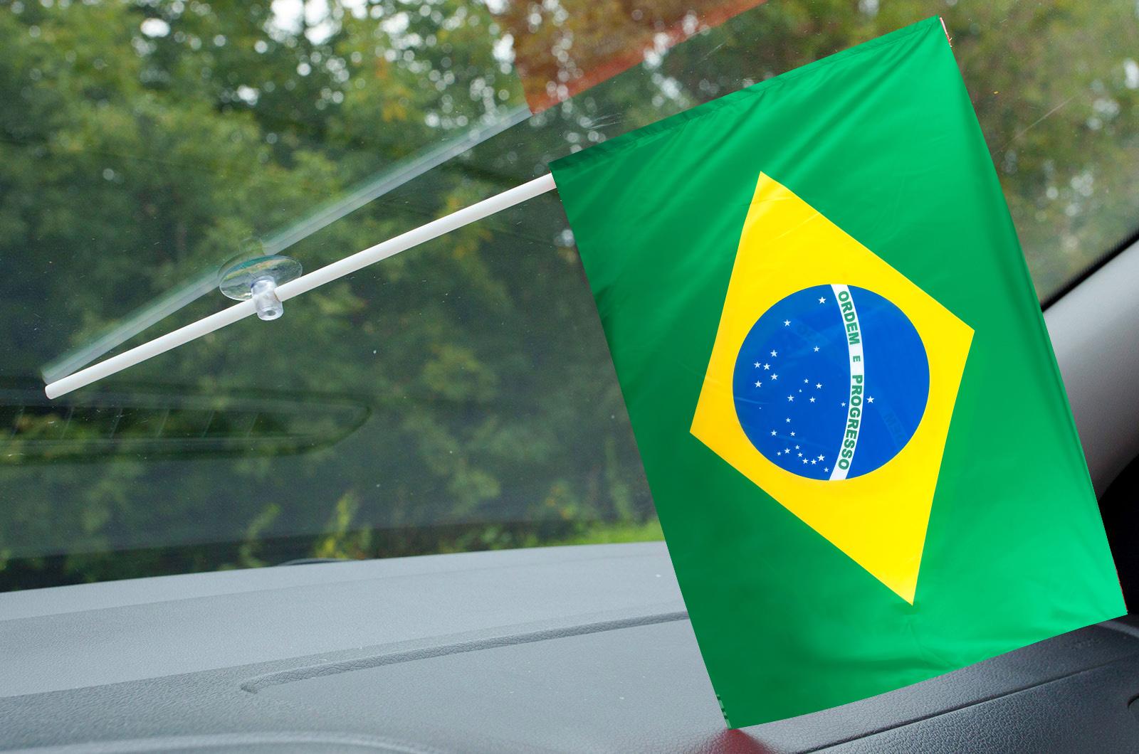 Флажок Бразилии в машину