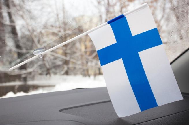 Флажок в машину с присоской «Флаг Финляндии» по акции