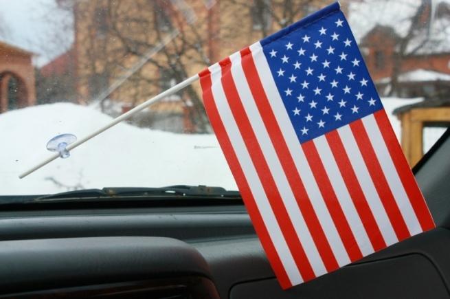 Флажок в машину с присоской США