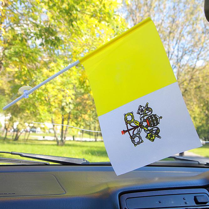 Флажок Ватикана в машину