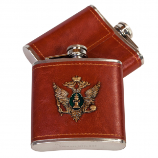 Хороший подарок! Фляга-нержавейка с жетоном Министерства Юстиции РФ.