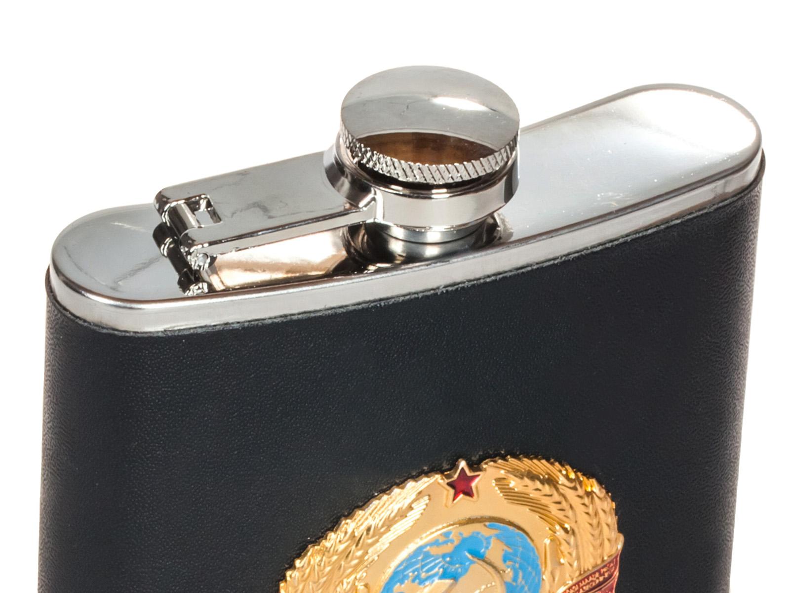 Фляжка с гербом СССР - обтянутая кожей черного цвета, металлическая накладка
