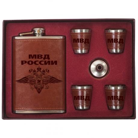 Фляжка для спиртного со стопками в наборе МВД России.