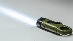 Фонарь выживания с ручной динамо-машиной Dynamo Tac Flashlight Camo