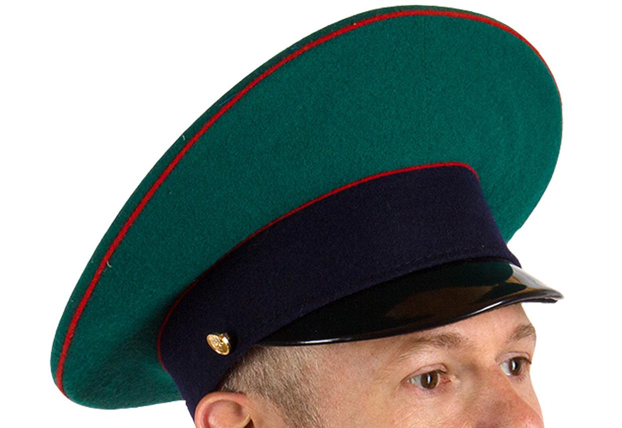 Недорогой головной убор погранцов уже в наличии в Москве