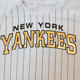 Футболка американской бейсбольной команды New York Yankees-увеличение