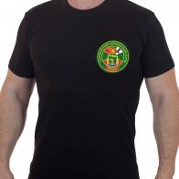 Черная футболка с цветным шевроном Калевальский погранотряд.