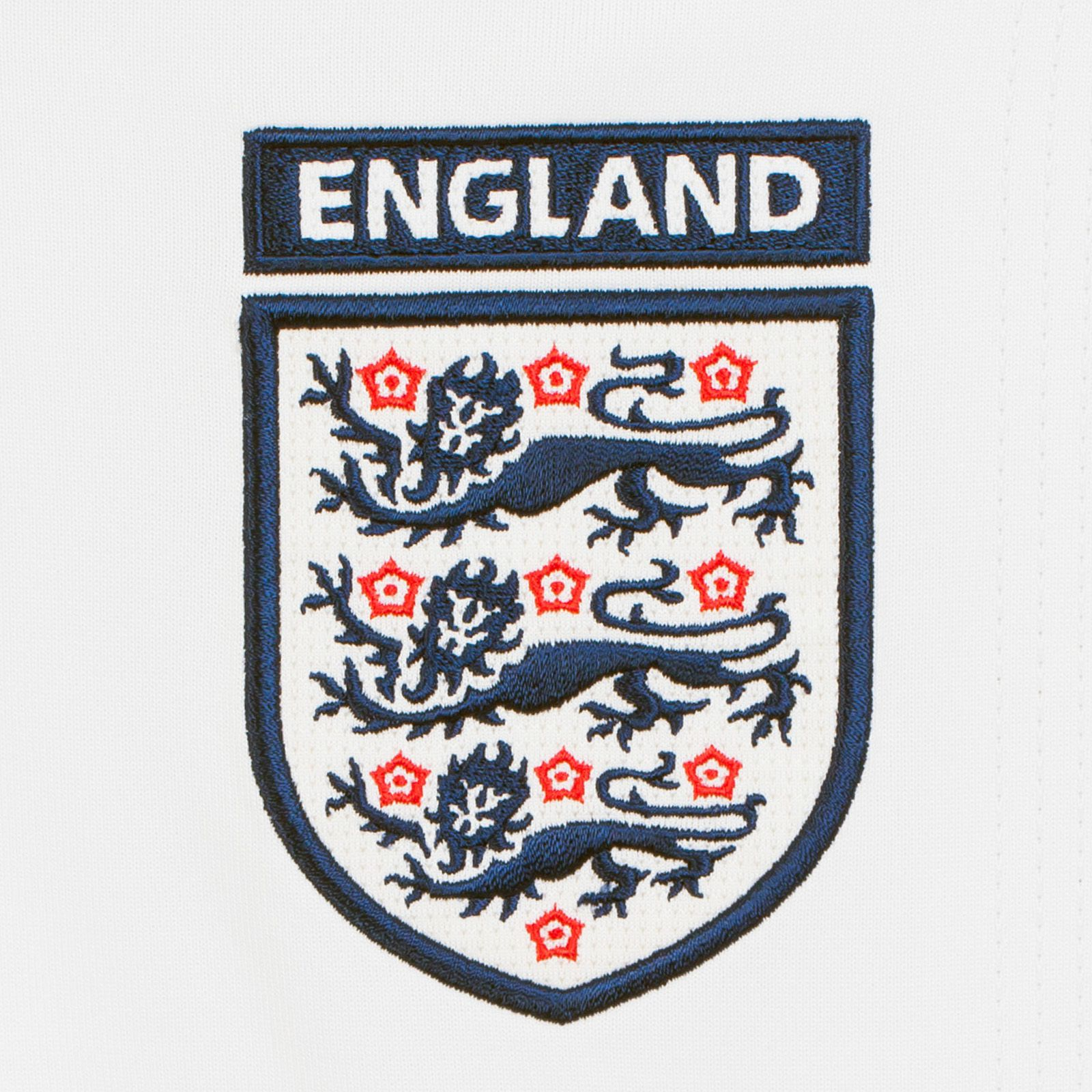 Белая футболка сборной Англии по футболу