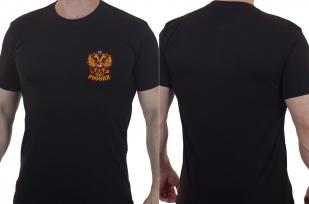 Патриотическая мужская футболка с гербом России.